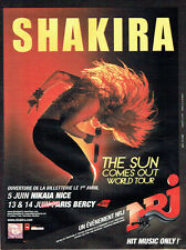 PUBLICITE ADVERTISING 056  2011  Shakira the sun comes out world tour BERCY Nrj