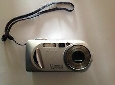 Sony MPEGMovie VX Smart Zoom Model DSC- P8 3.2 Mega Pixels Cyber- Shot Camera