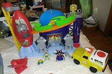 Toy Story Pizza Planet Imaginext set retired and Delivery shuttle