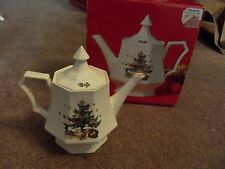 Coffee Tea Pot w/ Lid 4-cup, ChristmasTime Nikko Japan Tree classic collection