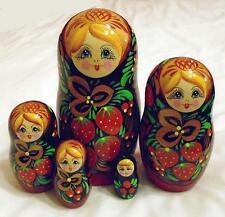 Noir babouchka russe en bois de nidification traditionnelle poupees fraises 5pc