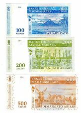 2004 Madagascar 3 Notes Uncirculated 100,200 & 500 Ariary