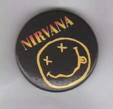 NIRVANA -  PIN BADGE - INDIE ROCK / GRUNGE - KURT COBAIN BUTTON BADGE
