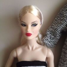 Fashion Royalty Royal Treatment Veronique Nude Doll w/  ex hands stand & COA
