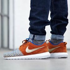 NIKE ROSHE NM FLYKNIT PREMIUM Trainers Shoes Suede - UK 8 (EUR 42.5) Blue & Gold