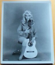 NANCY SINATRA H FASHION GLAMOUR PORTRAIT glossy VINTAGE b&w movie promo photo