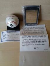Willie Mays Gold Card And Replica Autograph Ball Set