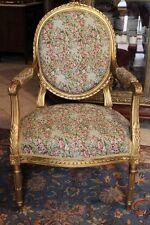 Fauteuil de style Louis XVI début XIXe à dossier médaillon