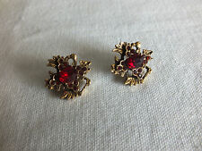 "Beautiful Brooch Pin Gold Tone Matched Set 2 Red Rhinestones 3/4"" WOW"