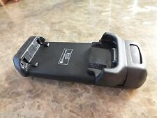 Audi Handy Adapter iPhone 4 Handyschale Ladeschale Handyhalterung 8T0051435F NEU