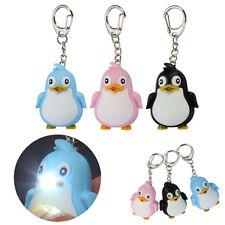 Teneri Animaletti Penguin luce LED Con Sonoro Portachiavi Anello Torcia Regalo