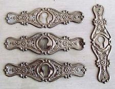 4 ENTREES de CLE SERRURE ART-NOUVEAU en métal nickelé pour meuble, commode