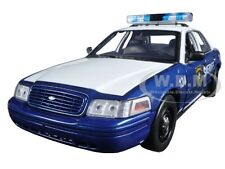 "RICK & SHANE'S 2001 FORD CROWN VICTORIA ""THE WALKING DEAD"" 1/18 GREENLIGHT 12957"