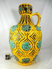 Stunning 70´s design BAY Relief Keramik pottery vase 77  45 light green & yellow
