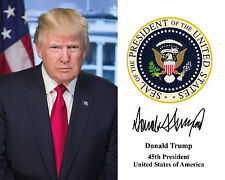 President Donald Trump Presidential Seal Autograph 8.5x11 Photo Portrait A-431