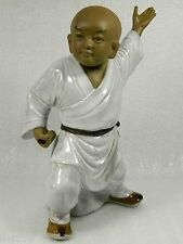 Fine Chinese Ceramic Shaolin Monk Practicing kung Fu Statue/Figurine