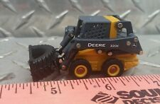 1/64 ERTL CUSTOM FARM TOY JOHN DEERE 320E SKID STEER LOADER W/ TIRE SCRAPER FEED