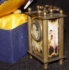 Vieux mécanique Pendules / Horloges / Bureau Horloge, avec Classique Photo