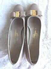 Salvatore Ferragamo Boutique Womens Flats Size 7 AAA Shoes Leather Italy Beige