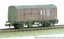 TMC 373-360 Graham Farish BR MK1 Horse Box Maroon (ER) Weathered