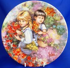 WEDGWOOD/QUEEN'S WARE MY MEMORIES COLLECTOR PLATE - OUR GARDEN