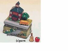 SCHOOL HOUSE with CROWN BUS-Porcelain Hinged-Box-2 TRINKETS