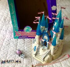 1996 STARCASTLE DISNEY CINDERELLA CASTLE WITH ORIGINAL RARE KEY AND BOX