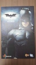 Hot Toys MMS 67 The Dark Knight Batman Bruce Wayne (Original Costume) USED