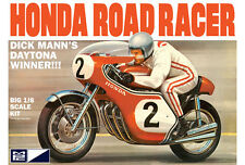 MPC 1960s Dick Mann Honda 750 Road Racer Daytona Winner Motorcycle model kit 1/8