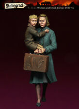 STALINGRAD MINIATURES, 1:35, Women and Child, S-3111