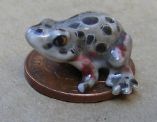 1:12 Scale Multi Coloured Dolls House Miniature Ceramic Frog Garden Accessory O