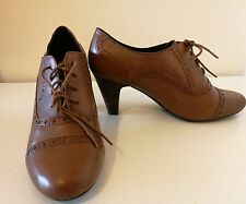 Clarks Ladies Tan Leather Birdie Brogues Brown  Lace Up Size 8/EUR 42 RRP £69.99