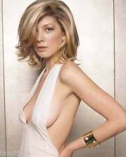 Rosamund Pike 8x10 Photo 006