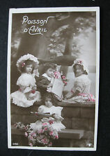 CPA photo colorisée enfants costume Poisson d'avril