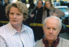 BRENDA BLETHYN & MIKE FARRELL UNSIGNED PHOTO - 3955 - LAW & ORDER: SVU