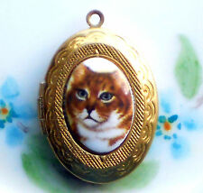 #728A Vintage Cat Locket Ornate Oval Large Etched Brown OLD Pendant Cats