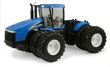1/16 Scale New Holland TJ Articulated Tractor Diecast Farm Toy Age 8+ ERT13864