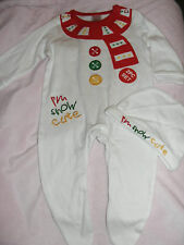 "BOYS GIRLS CHRISTMAS ""IM SNOW CUTE"" BABYGROW / SLEEPSUIT & HAT 0-3 MONTHS NEW"