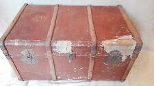 Malle cintrée de voyage, toile marron, empilable, table de chevet, année 30. B20