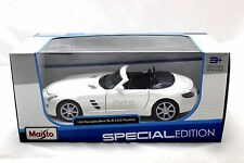 MAISTO MERCEDES BENZ  SLS AMG ROADSTER WHITE 1/24 DIECAST CAR 31272SIL