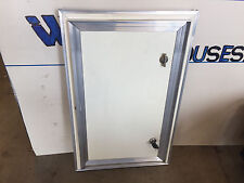 RV MOTORHOME CAMPER BUS CABINET EXTERIOR OUTSIDE SIDE BAGGAGE STORAGE DOOR KEY