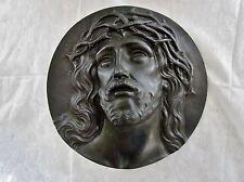 ancienne plaque médaillon Jésus Christ en bronze début 20 ème signée a.Dubois