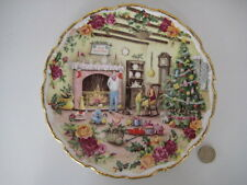 ROYAL ALBERT ENGLAND OLD COUNTRY ROSES PLATE  CHRISTMAS WARMTH FRED ERRILL