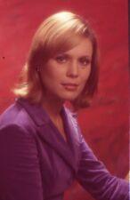 MARTHE KELLER ELLE COURT ELLE COURT LA BANLIEUE  1973 VINTAGE SLIDE ORIGINAL