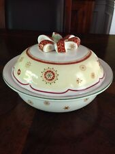 Villeroy Boch 1 Quart Casserole With Bow Top Lid Christmas EC