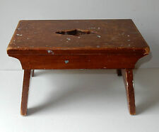 Vintage Wood Milking Step Stool Sturdy Keyhole Cut Primitive