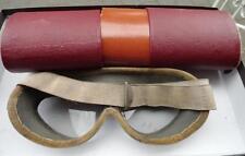 LW Luftwaffe  Flieger  Schutzbrille  mit Behälter