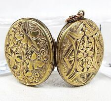 Victorian Gold Gilt Embossed Ornate Falling Leaves Photo Locket Pendant Necklace