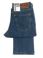 MENS LEE BROOKLYN STRAIGHT LEG STRETCH JEAN - STONEWASH BLUE DENIM