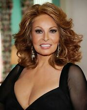 Raquel Welch 8 x 10 GLOSSY Photo Picture IMAGE #2